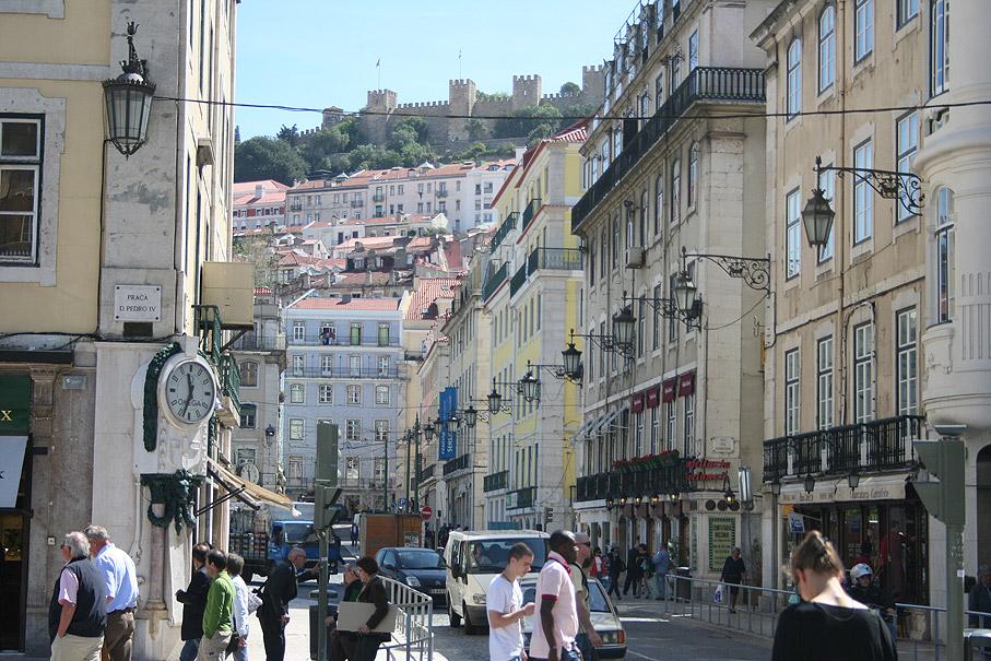 Fotografia Vista do Castelo de São Jorge desde a Rua da Betesga, Rossio Lisboa