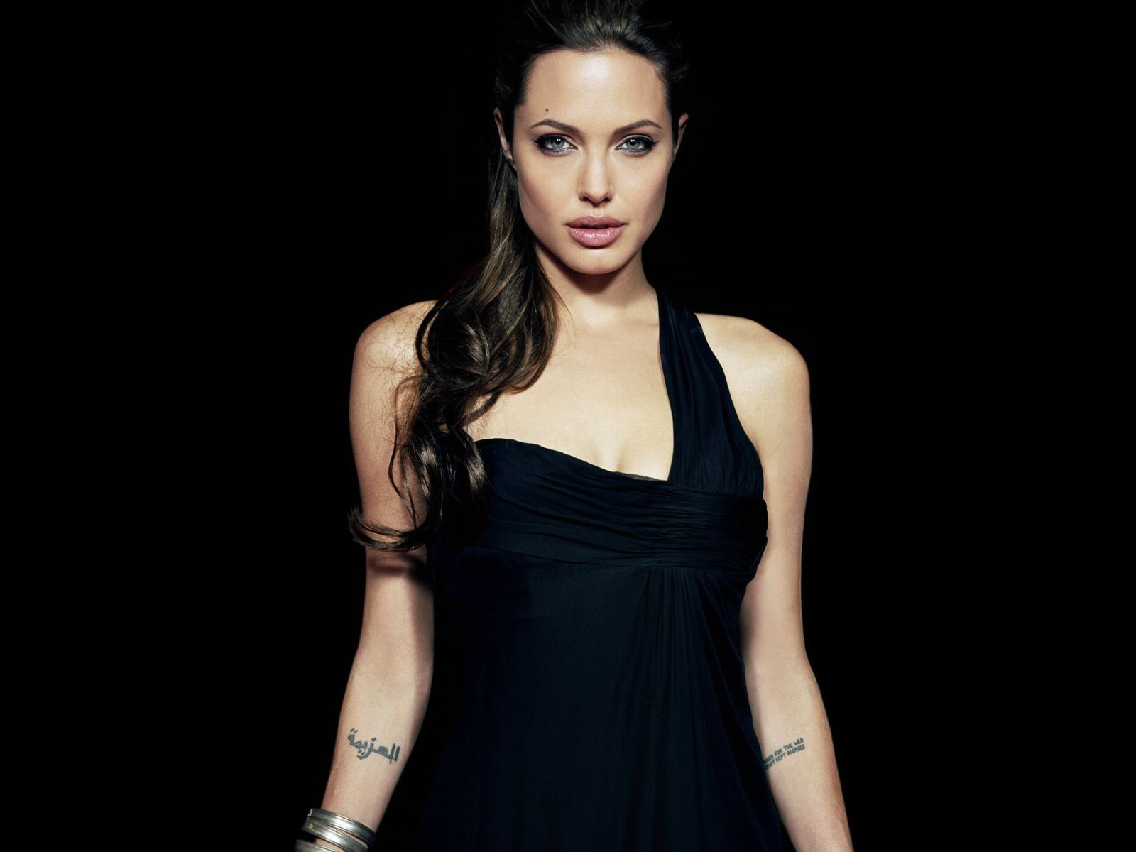Angelina Jolie's Arabic Tattoo