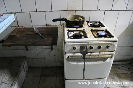 Cozinha na casa em Havana, Cuba