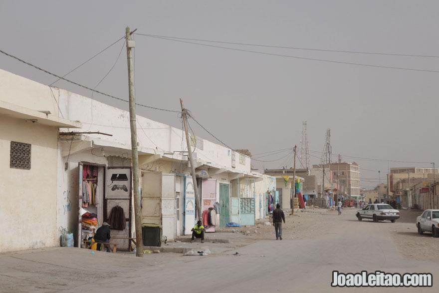 Centro da cidade de Nouadhibou na Mauritânia