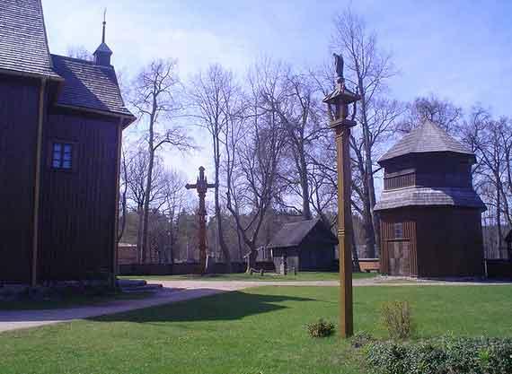 Igreja de São José de madeira em Paluse, Lituânia