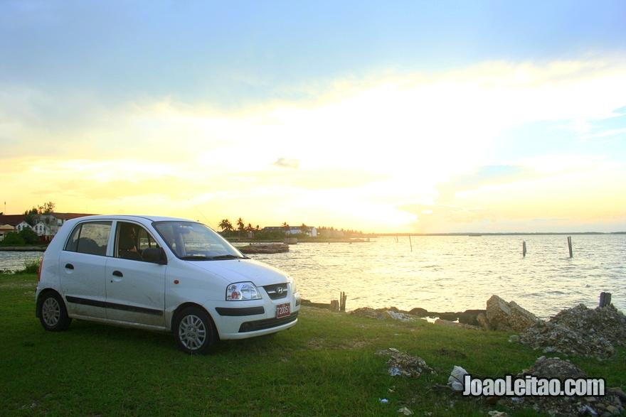 Fotografia do carro Hyunday Athos que aluguei em Cuba