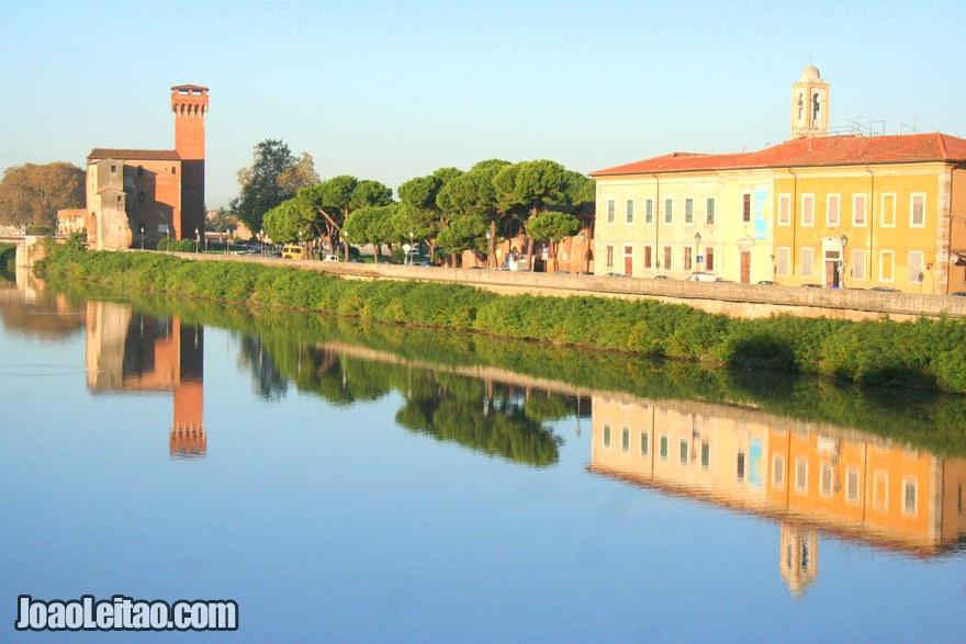 Foto do Rio Arno em Pisa