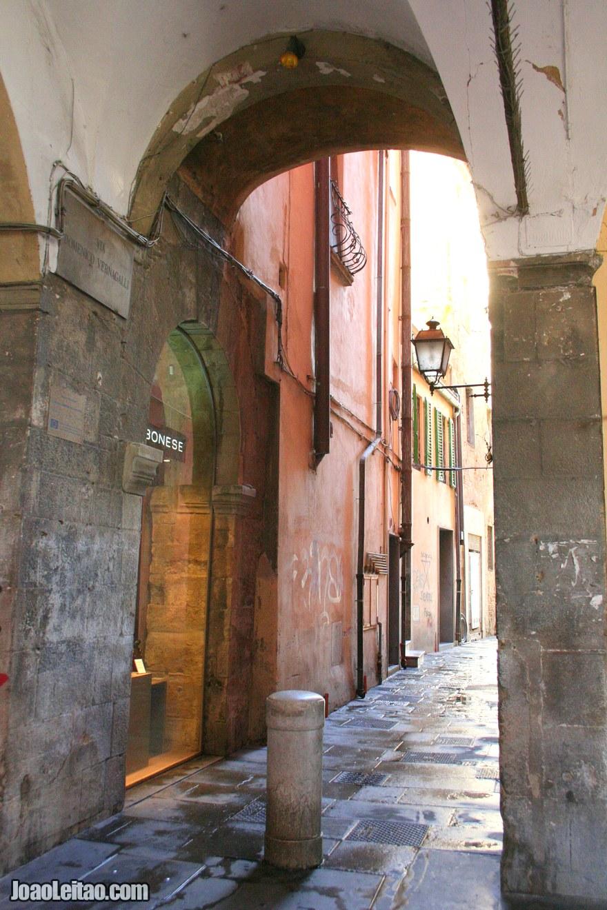 Foto de arcadas em Pisa