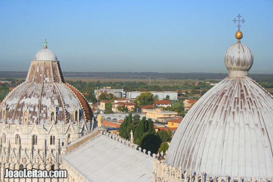 Foto das cúpulas da Catedral de Pisa