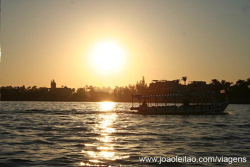 Rio Nilo de Noite, Cairo Egipto