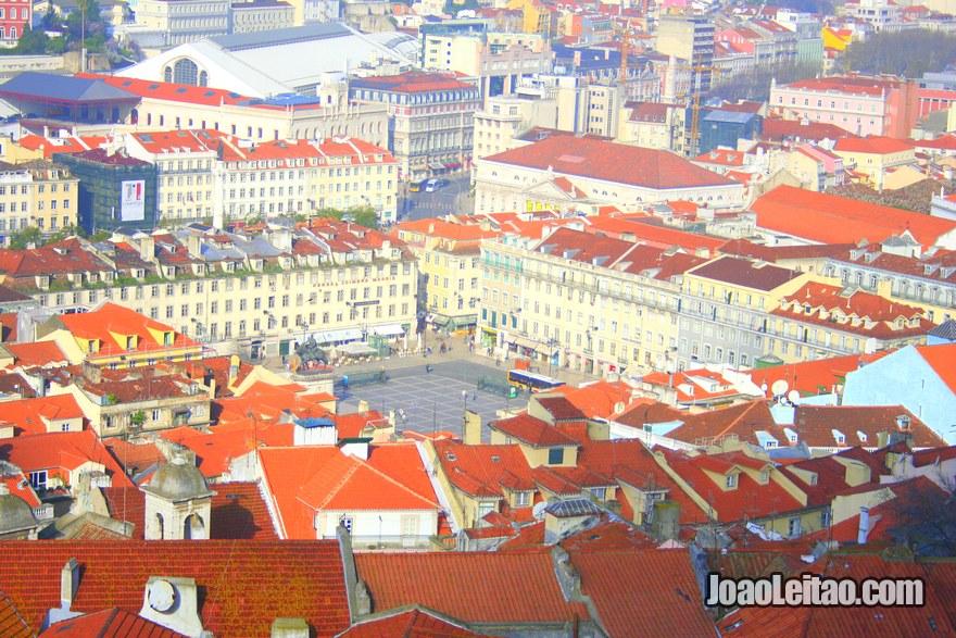 Foto da vista panorâmica da Praça da Figueira desde o Castelo de São Jorge