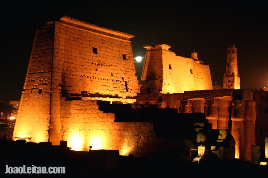 Foto do impressionante Templo de Luxor
