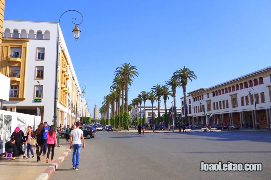 Avenida Mohamed V onde está situado o Hotel Mon Foyer em Rabat, Marrocos