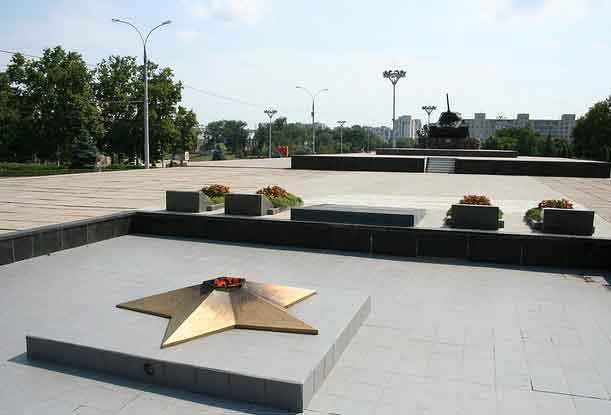 Praça dos Monumentos em Tiraspol, Pridnestróvia, Transnístria