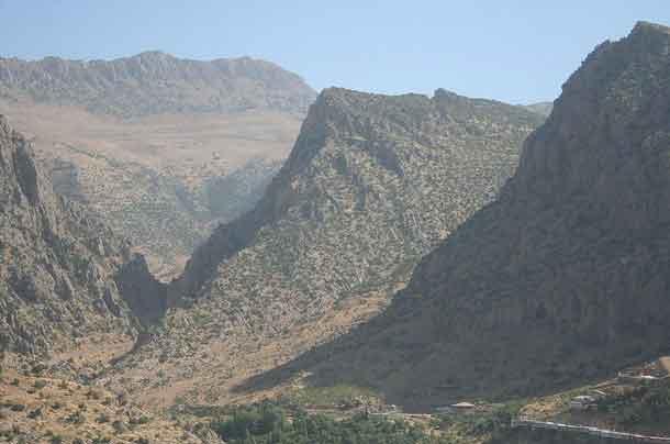 Montanhas à volta de Amedi, Região Curda, Iraque
