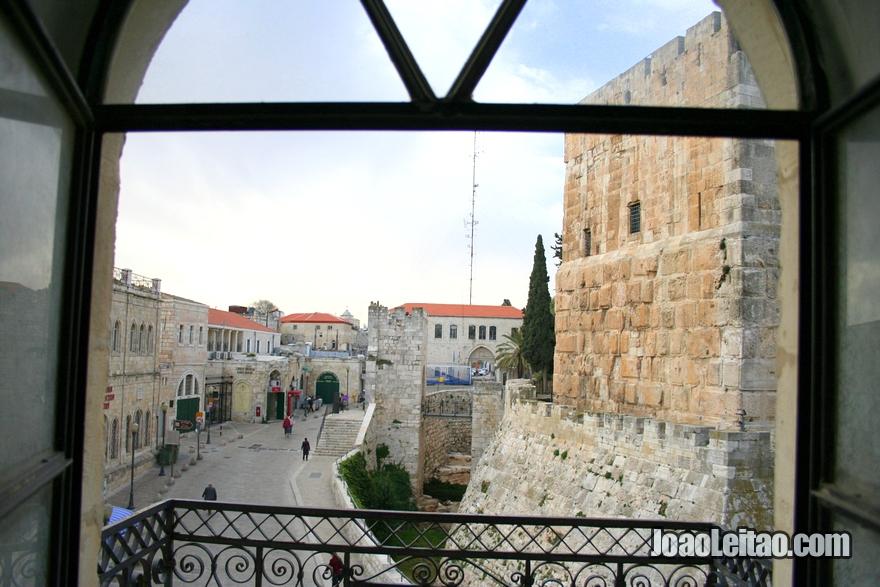Vista da janela do meu quarto do hotel Hostel Petra em Jerusalém