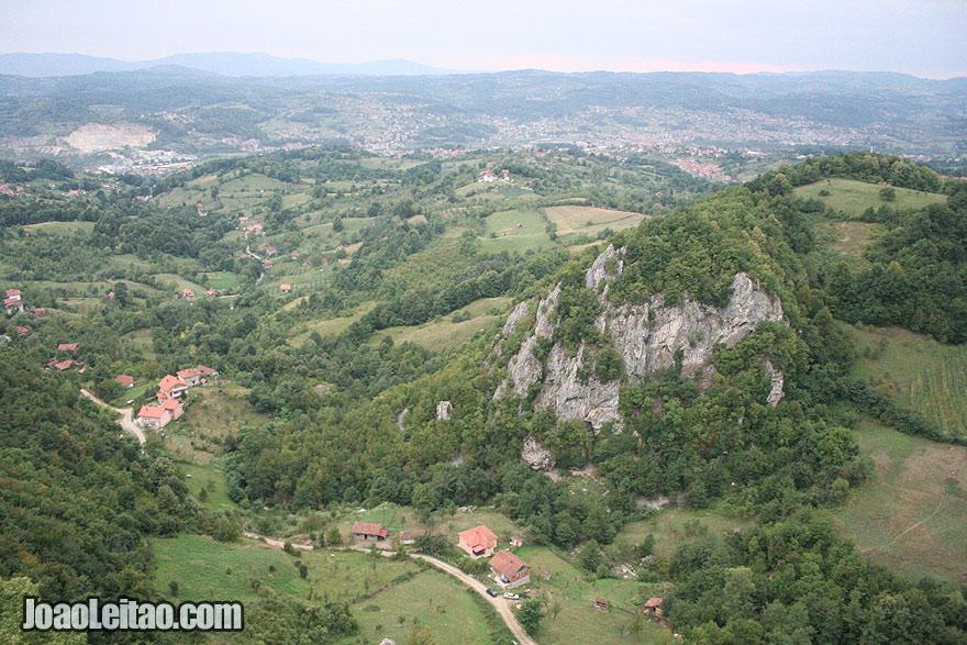 Paisagem à volta de Srebrnik, Visitar a Bósnia e Herzegovina