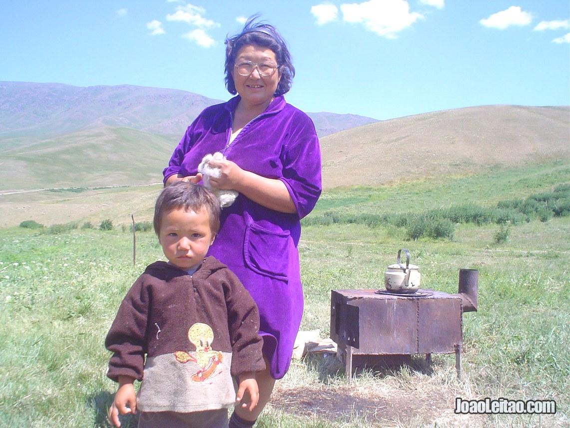 Nómadas no Parque Nacional Ile-Atatau, Visitar o Cazaquistão