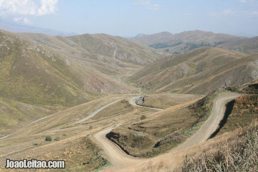 Montanhas na fronteira com a Arménia, Visitar o Nagorno Karabakh