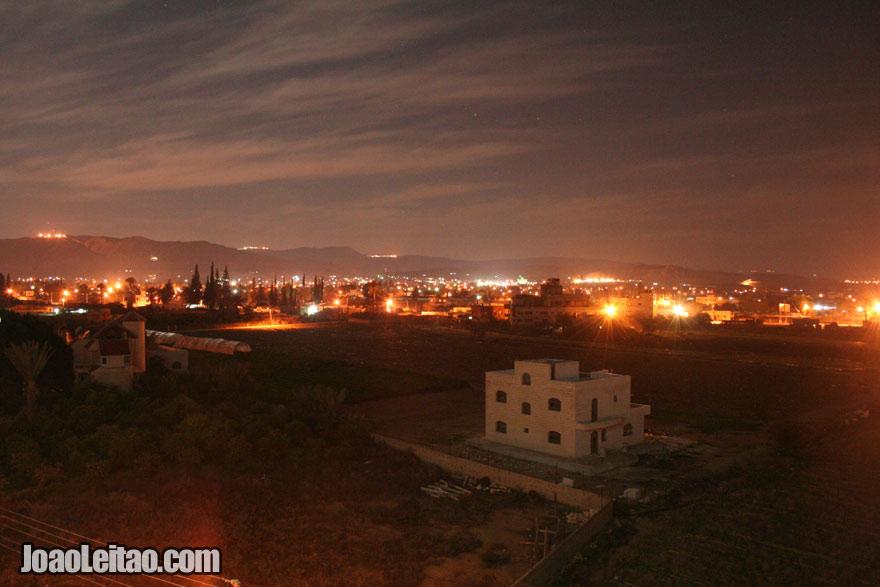 Vista de Jericó à noite, Visitar a Palestina
