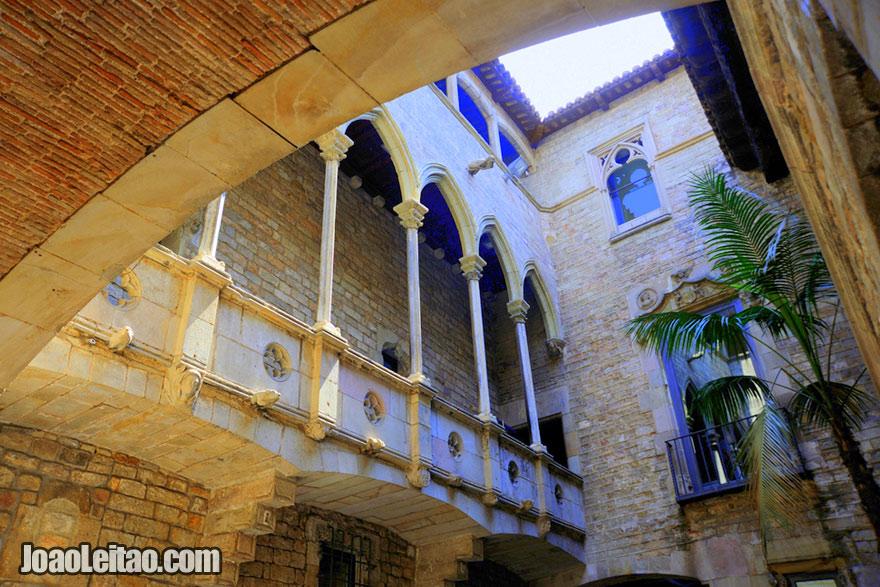 Arquitectura gótica catalã no Museu Picasso de Barcelona