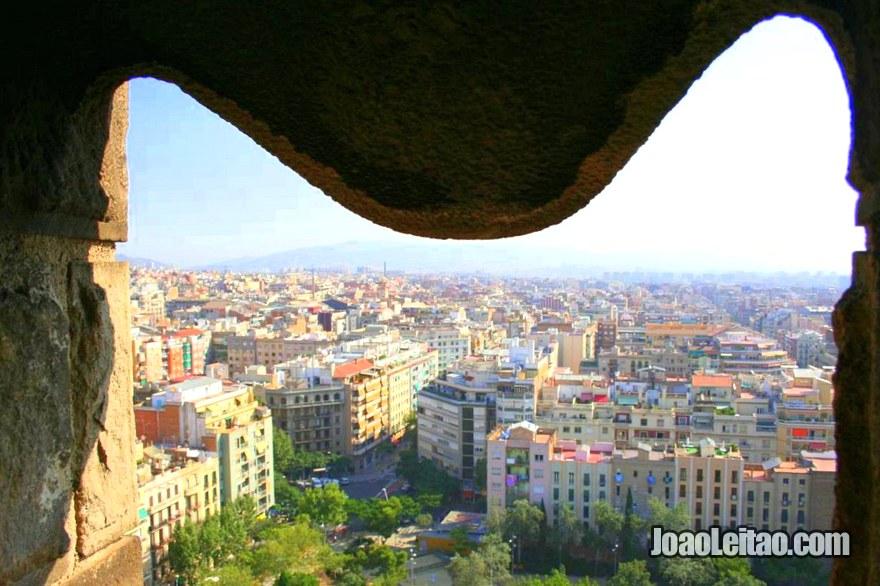 Vista da janela da Templo Expiatório da Sagrada Família, Visitar Barcelona