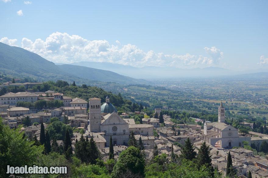 Vista da cidade de Assis, Visitar Itália