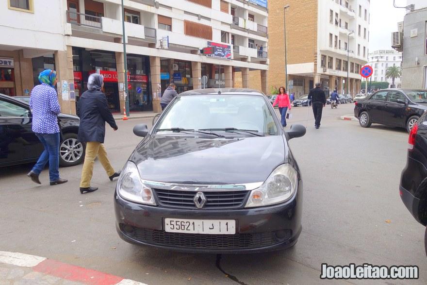 Foto do Renault que aluguei - Alugar carro em Rabat