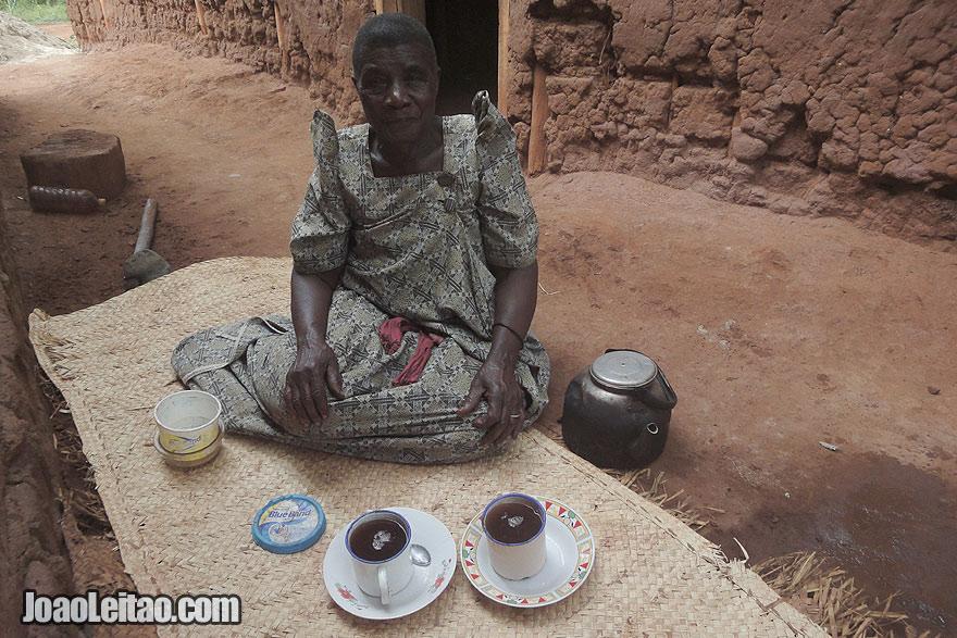 Fui convidado para beber café em Kituka, Visitar o Uganda