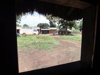 Estrada de Lasu no Sudão do Sul até à fronteira do Congo