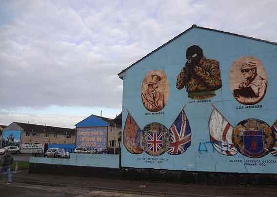 Bairro Protestante Shankill em Belfast, Irlanda do Norte