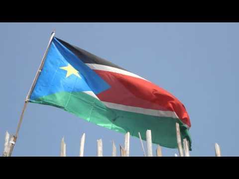 Vídeo da bandeira do Sudão do Sul em Juba 6