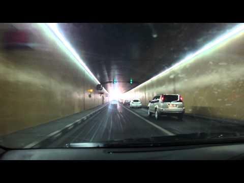 Vídeo conduzir tunel desde Deira até Dubai, EAU 1
