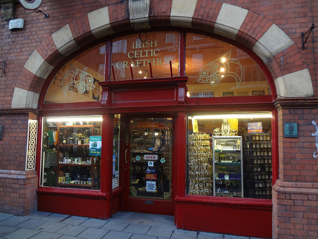 Loja de lembranças, Irish Celtic Craftshop em Dublin, Irlanda 20
