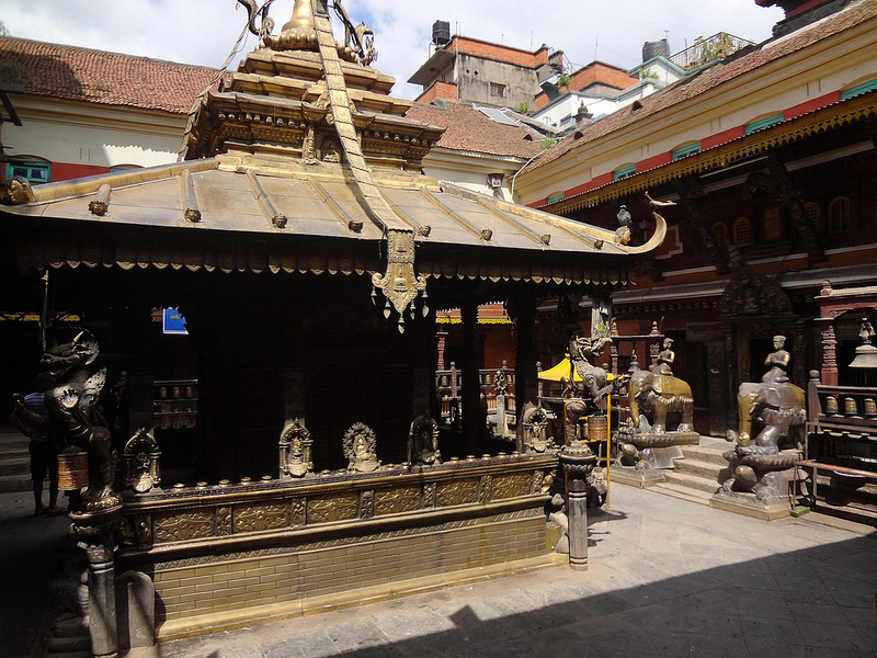 Golden Temple - Hiranayavarna Makavikar em Patan, Nepal 2