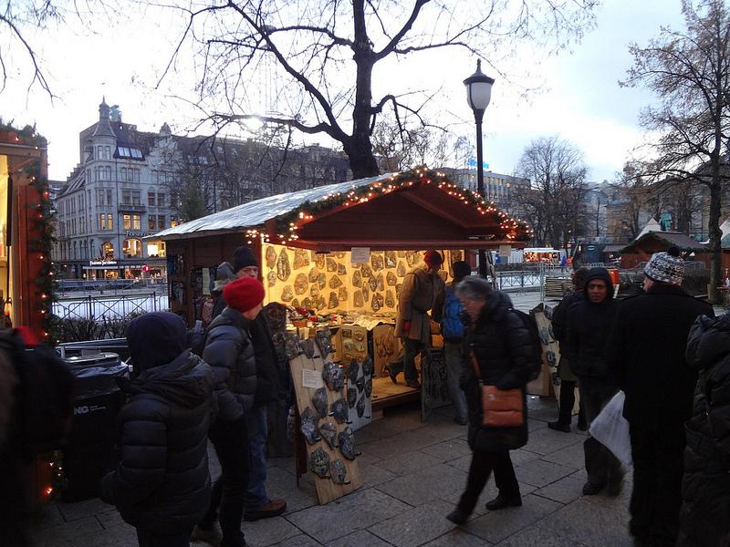 Fotografias de feira de Natal no centro de Oslo, Noruega 2