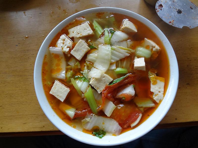Vídeos de preparação de noodles em Zangmu, Tibete 31