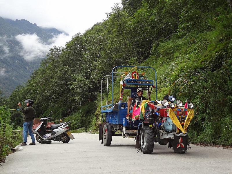 Estrada Fronteira do Nepal até Zhangmu, Tibete 1