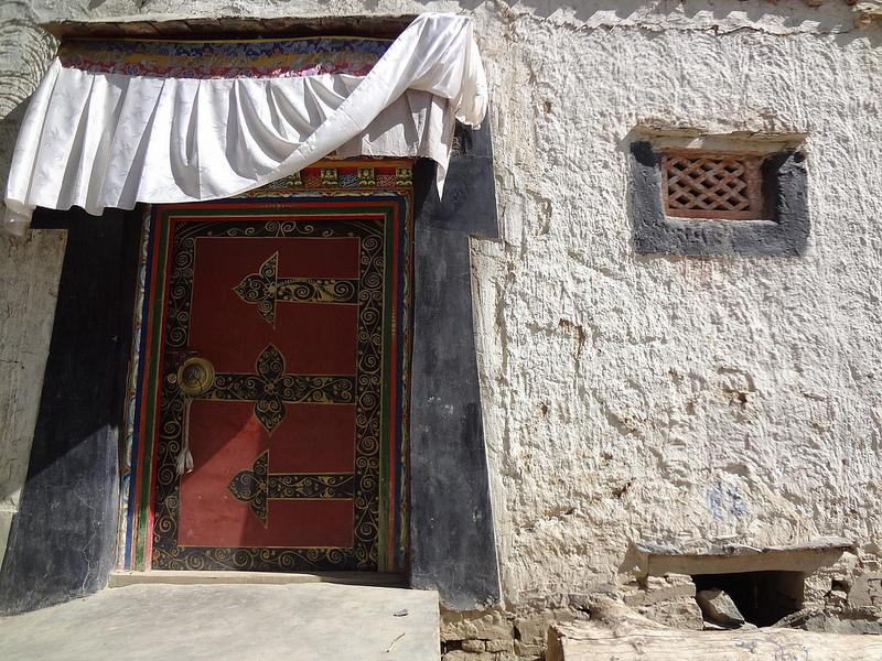 Fotografias de Portas Tibetanas em Shigatse, Tibete 7