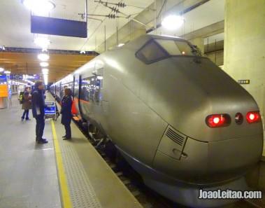 Comboio (trem) Aeroporto até cidade de Oslo