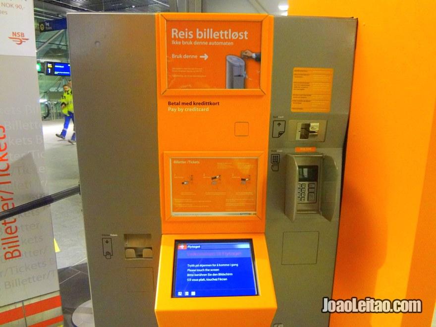 Máquina de comprar bilhetes de comboio até Oslo