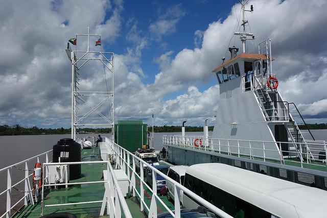 Ferry-Boat da Guiana até Suriname 1