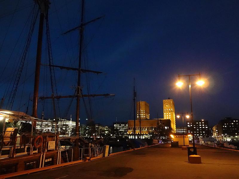Cais de Oslo à noite, Noruega 1