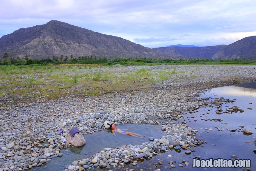 Baños Termales Almendral Peru