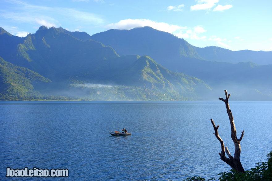 Lago de Atitlán, Visitar a Guatemala