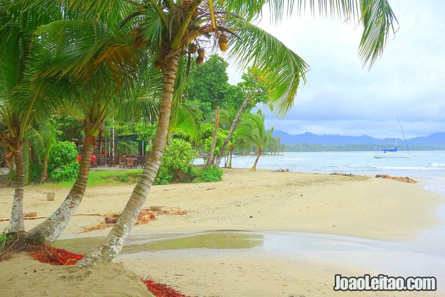 Praia na praia de Puerto Viejo de Talamanca