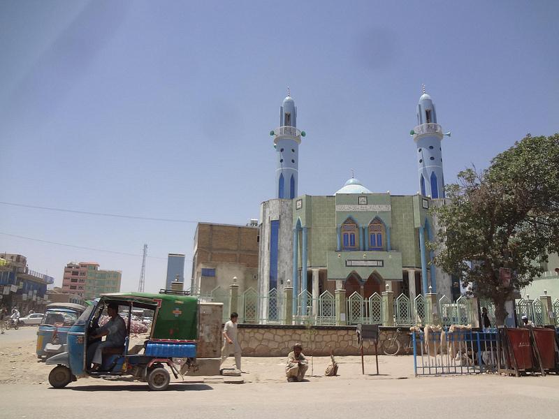 Fotografia de mesquita no centro da cidade de Kunduz no Afeganistão