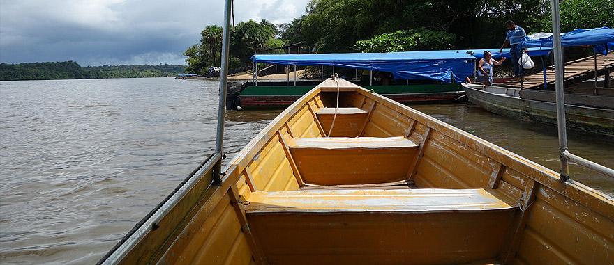 De barco da Guiana Francesa para o Brasil