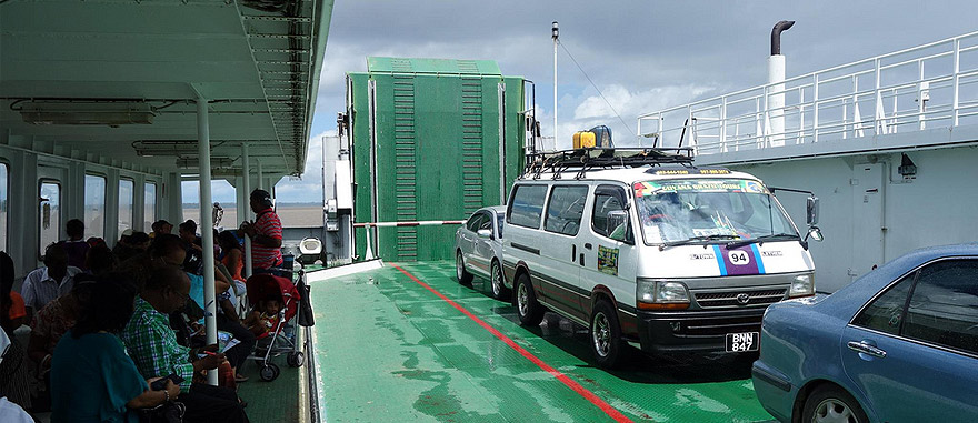 Ferry-boat de Guiana para Suriname