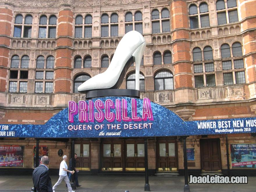 Musical Priscilla Queen of the Desert no Palace Theatre London