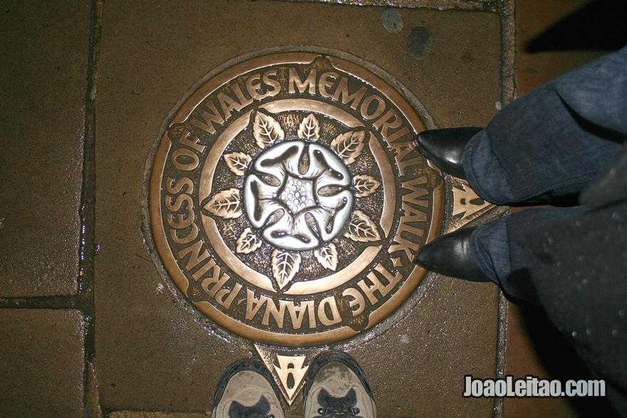 Diana Princess of Wales Memorial perto do Palácio de Buckingham