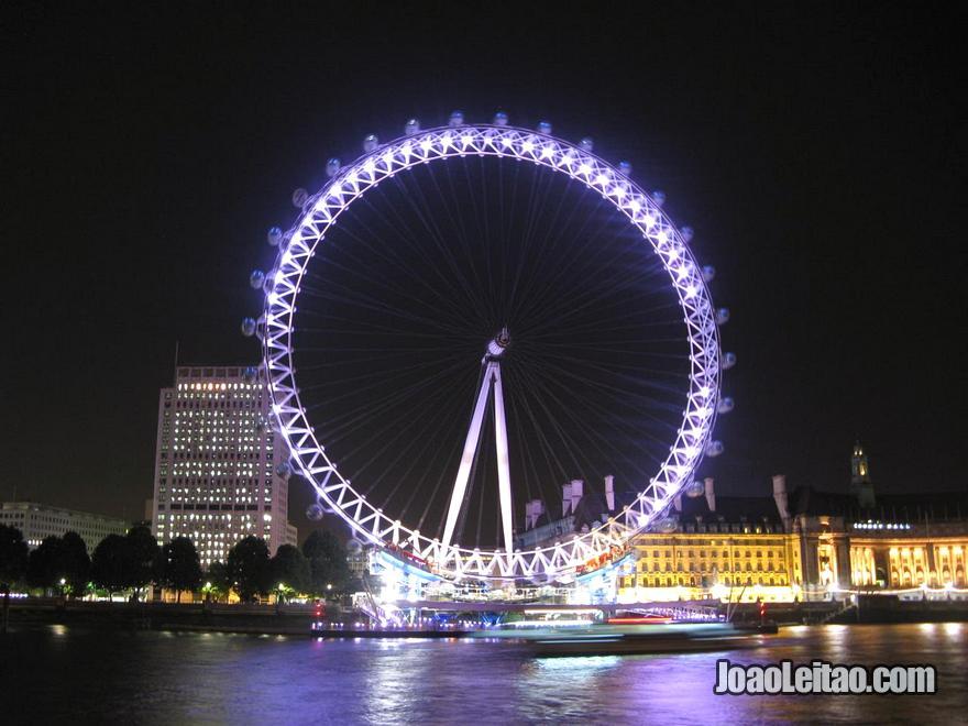 A roda-gigante London Eye também conhecida por Millennium Wheel ou a Roda do Milénio em Londres