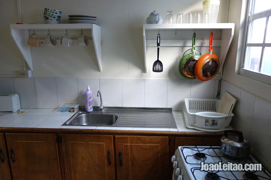 Cozinha da Guest House Miller's em Buccoo, Tobago