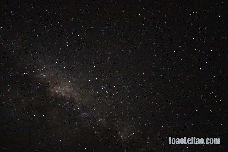 Noite estrelada no Hotel Leleuvia Island Resort nas Ilhas Fiji